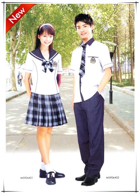 青岛小学生免费校服,六年配发几次?